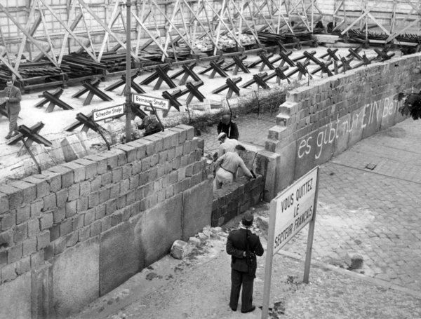 Cortina di ferro, guerra fredda,  caccia alle streghe, Joseph McCarthy e il maccartismo