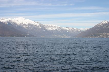 La Svizzera vista da Luino, 'città di frontiera'