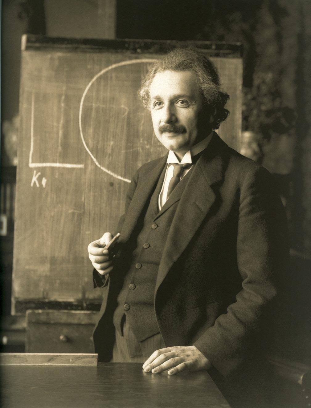 Cento anni di Relatività: la nuova visione del mondo fisico concepita da Einstein