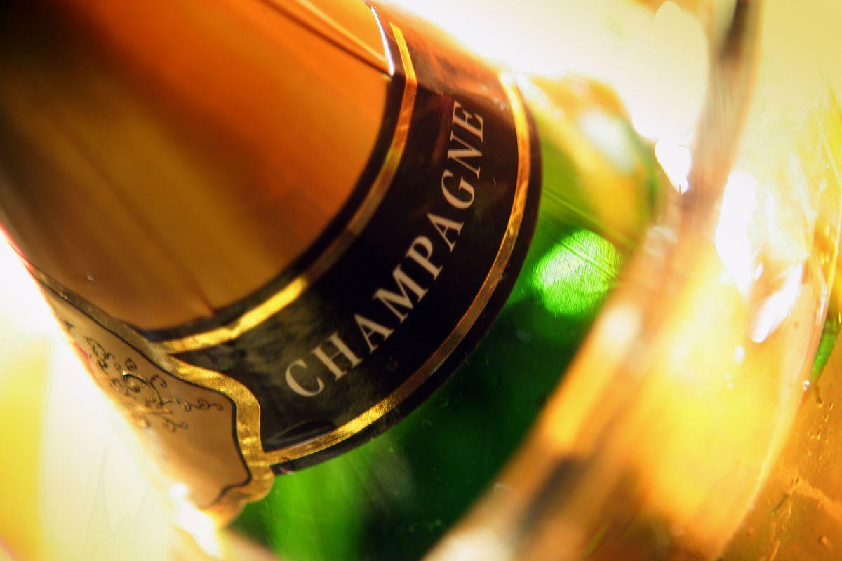 Champagne, cioccolata e sigari